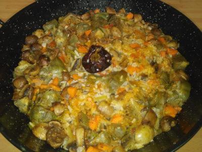 Arroz al horno con alcachofas