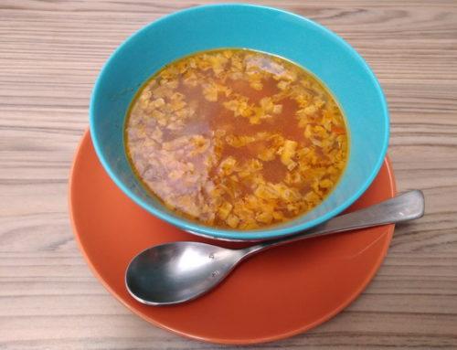 Sopa juliana con lenteja roja y mijo