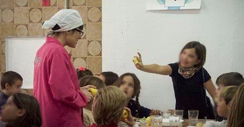 La Junta de Andalucía arremete contra la autogestión de la comida ...